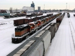 "090120026 New deadline of mostly SD40-2's at BNSF Northtown ""T"" Yard"
