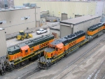 090213003 BNSF 1946 and 7131 6813 at Northtown diesel shop