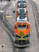 090213007 BNSF 1946 7131 and 6813 at Northtown diesel shop