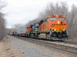 090401022 Eastbound BNSF freight with high-wides