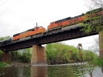 090510014 Eastbound BNSF freight H-KCKNTW1-09 crosses Crow River