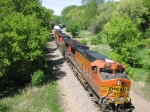 090517025 Eastbound BNSF manifest crossing under Plymouth Road bridge