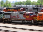 "090519016 BNSF 8235 stored in the Northtown ""T"" Yard deadline"