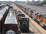 "090604003 Deadline of stored BNSF locos grows (yet again) in the Northtown ""T"" Yard"
