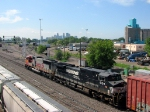 "090731028 Eastbound BNSF freight departs Northtown Yard at CTC 35th via the ""603"""