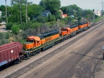 090803007 Eastbound BNSF freight with rare all orange SD40-2 lashup passes St. Anthony Jct.