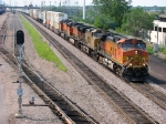 "090803018 Eastbound BNSF freight on Midway Sub. passes ""Koppers Footbridge"""