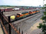 090831021 Eastbound BNSF Orange Triplets depart Northtown CTC 35th