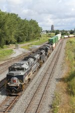 23KC922 heads down the Bison Runner towards CP Draw with 58 loads 0 empties 6947 tons and 9570 feet