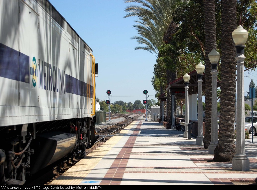 """""""Metrolink 656 Highball Fullerton with a clear at 164 over"""""""