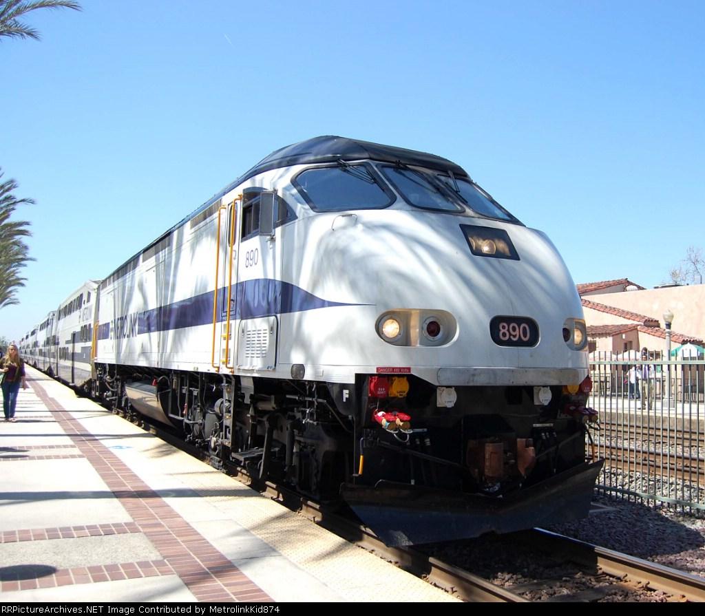 SCRX 890 leaving Fullerton