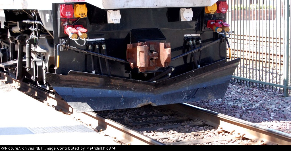 Metrolink MP36 890 with a piece of its plow missing!