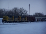 Yellowbonnet Geeps Shuttle Cars in the BNSF Yard