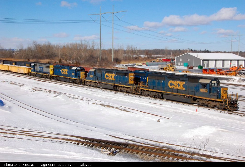 Four EMD's switch out a cripple on Q-417