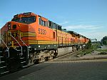 BNSF 5330 in consist