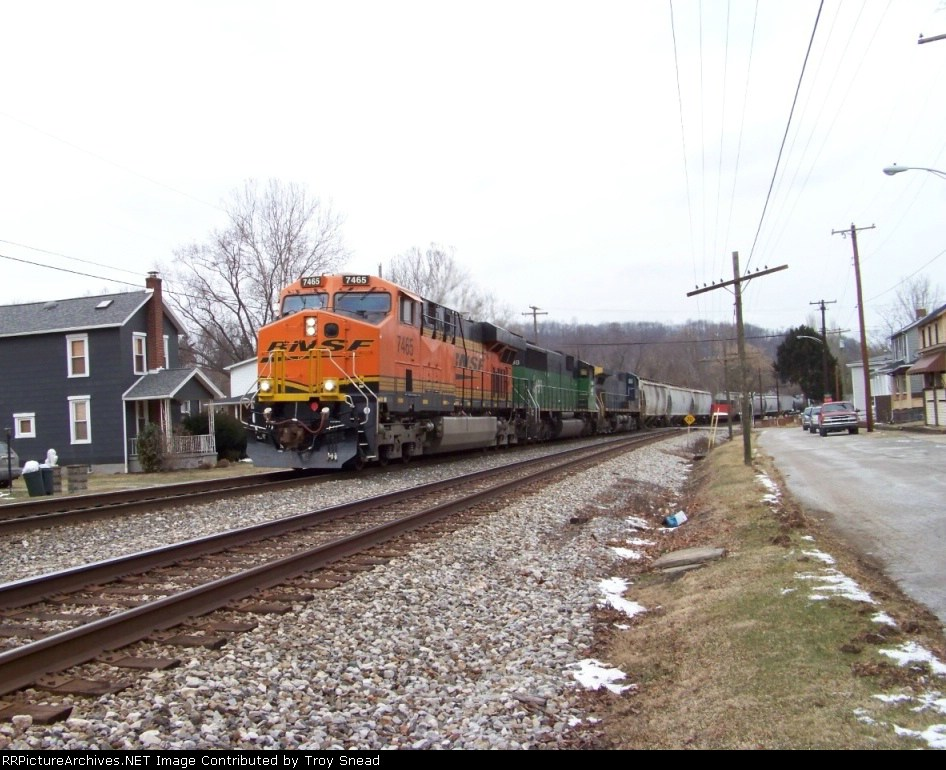 Usual BNSF Power on Q388