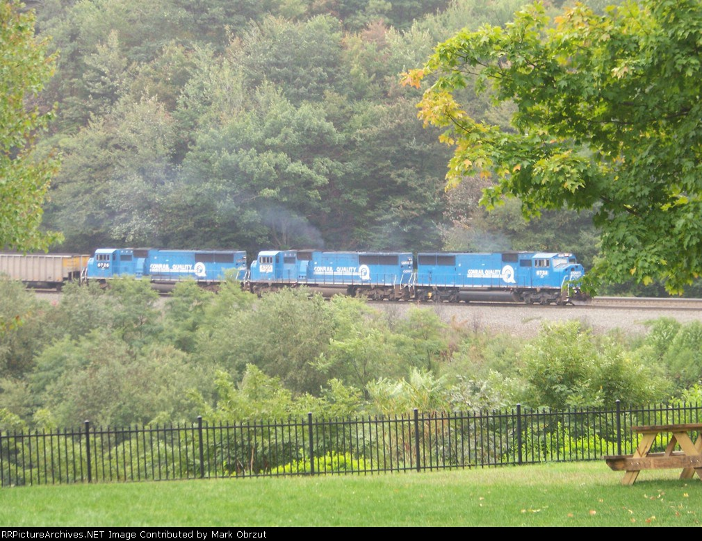 All Conrail Blue at Horseshoe Curse