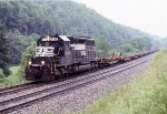 NS 6133 pulling the empties back to Bluefield