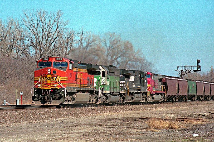 BNSF 4169