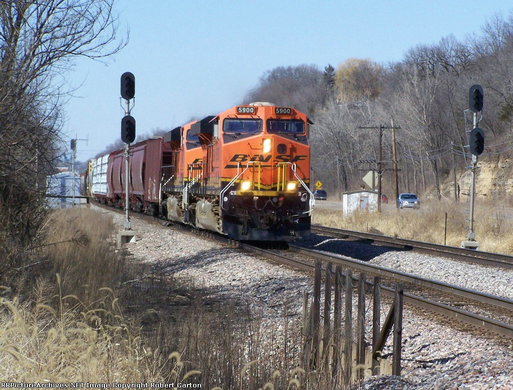 New ES Power Is Becoming Quite Common on BNSF Freight Trains Like This One