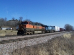 BNSF 1025 & A Classic ex-Conrail Unit Lead Freight Toward the Twin Cities