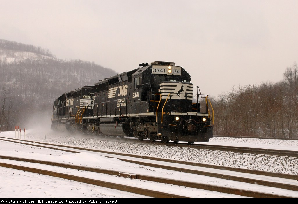 NS 3341 pair of pushers heading back to cresson