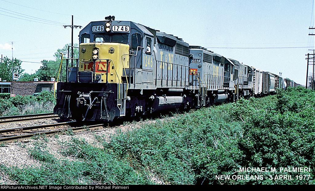 L&N SD40 1246