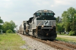 New SD70M-2 leading