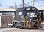 NS 6098 leaves CSX Augusta Yard after bringing in a yard transfer train