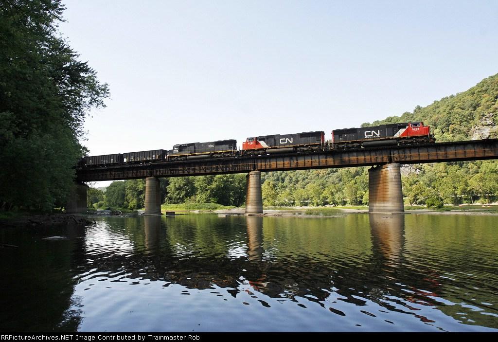 K121 ore train