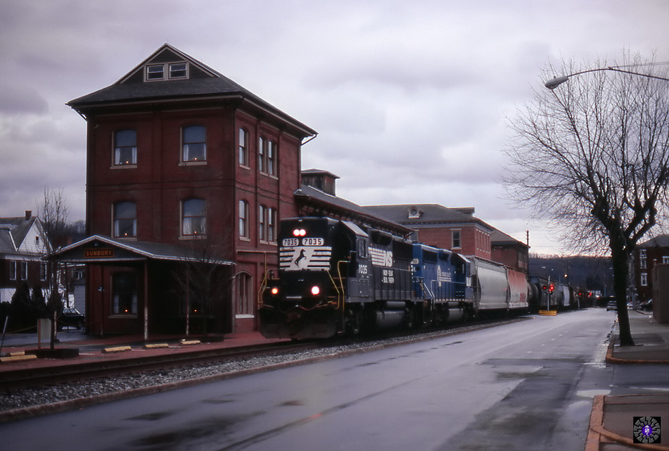 H2W at station