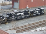 Norfolk Southern 5228 and 2102