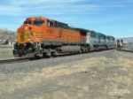 BNSF 5030 waiting for MRL 343 to couple up
