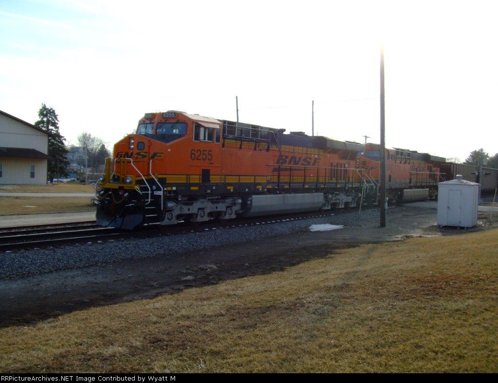 BNSF 6255