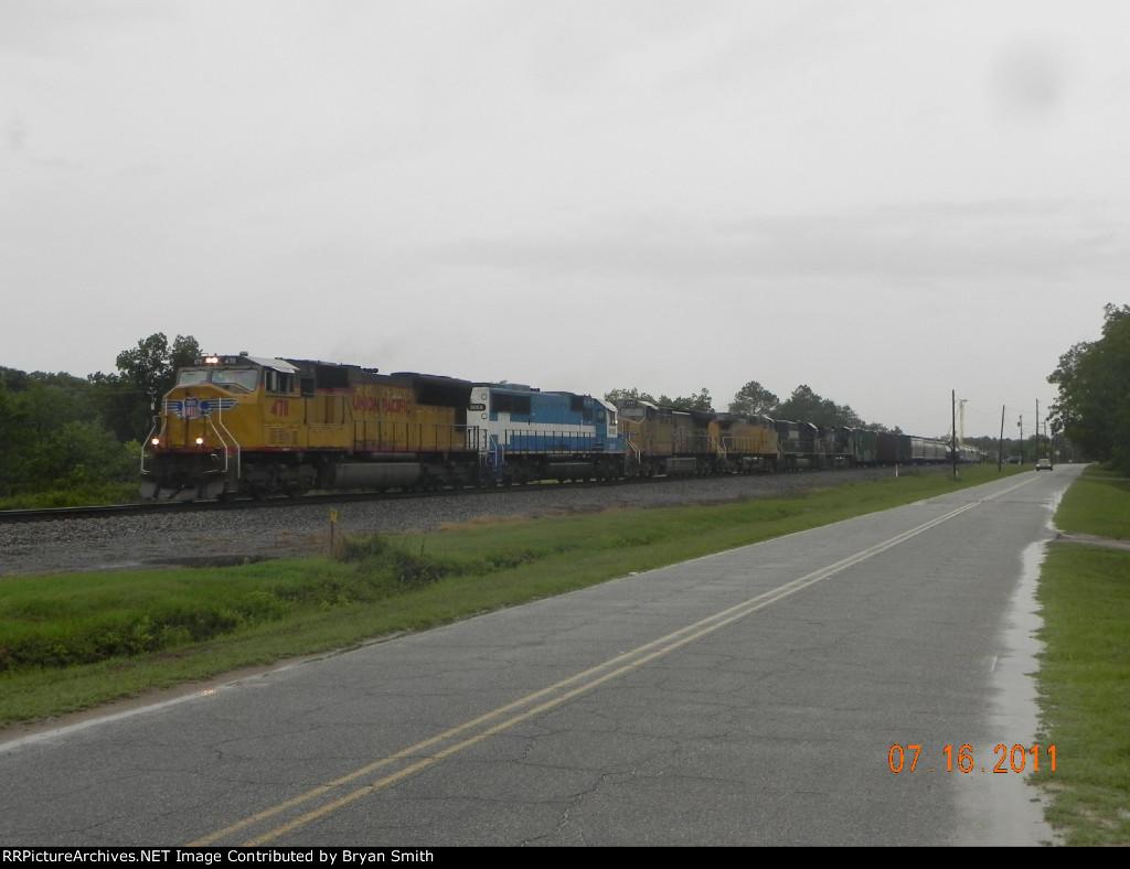 Northbound NS train #152