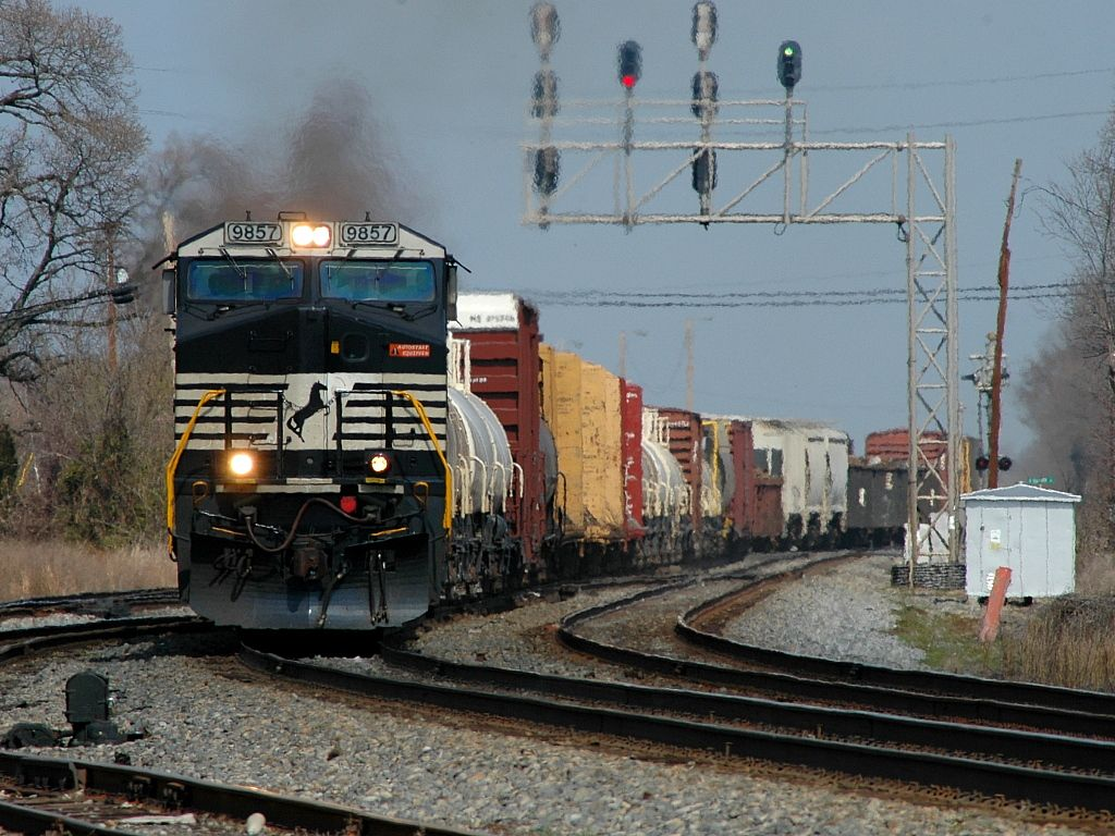 NS 337 passes Eleventh Street