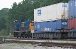 CSX 1160 leading NB transfer to the pig ramp