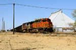 BNSF 5507 and BNSF 678