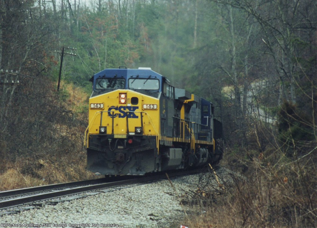 CSX 143 eastbound through Hargett, KY