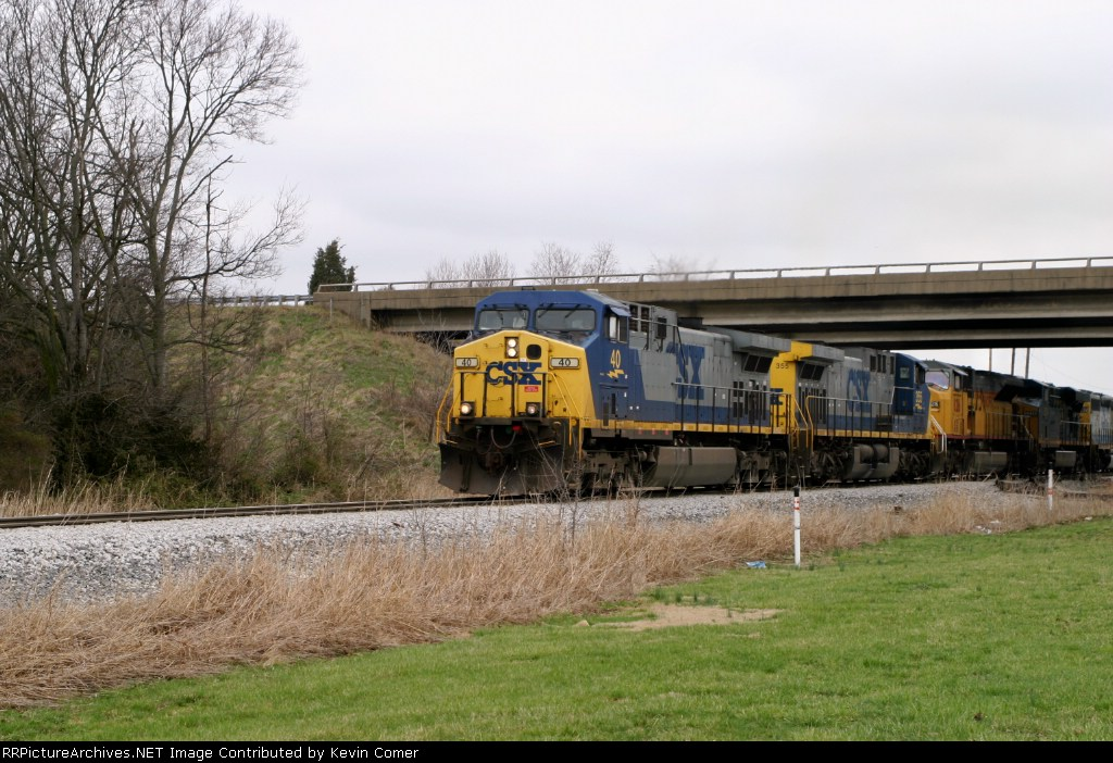 Q275 is southbound at MP 118 Memphis Jct. led by 7 locomotives 2:25pm 3/15/09