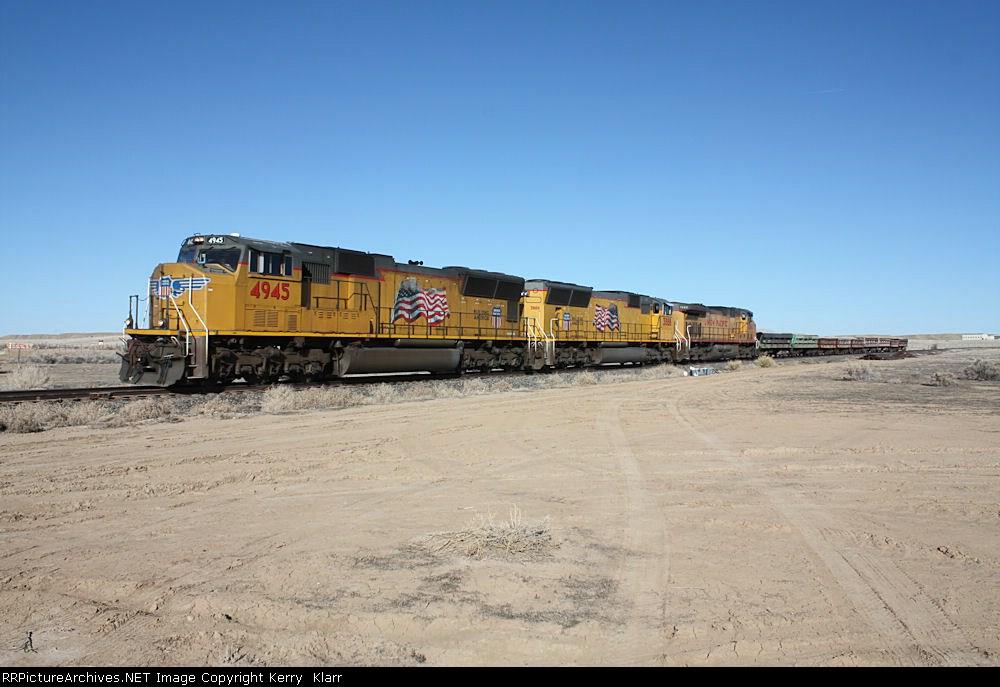 UP 4945 at MP 15