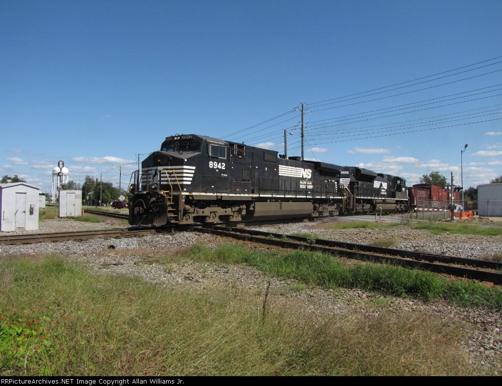 NS 8942