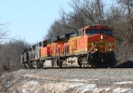 BNSF 5622 heading back north for some more black diamonds