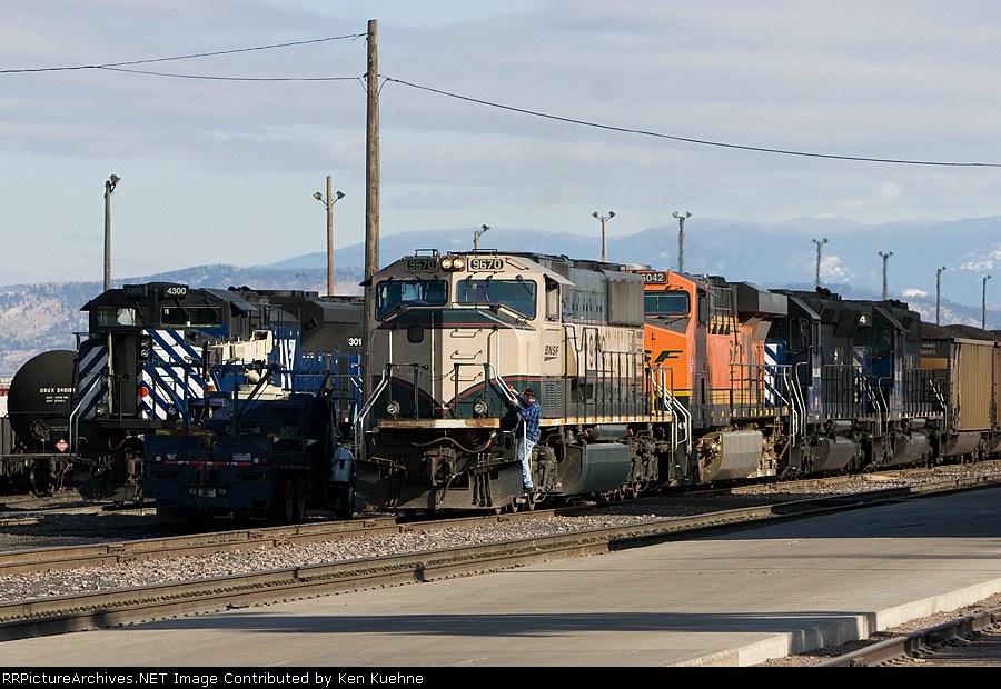 BNSF 9670