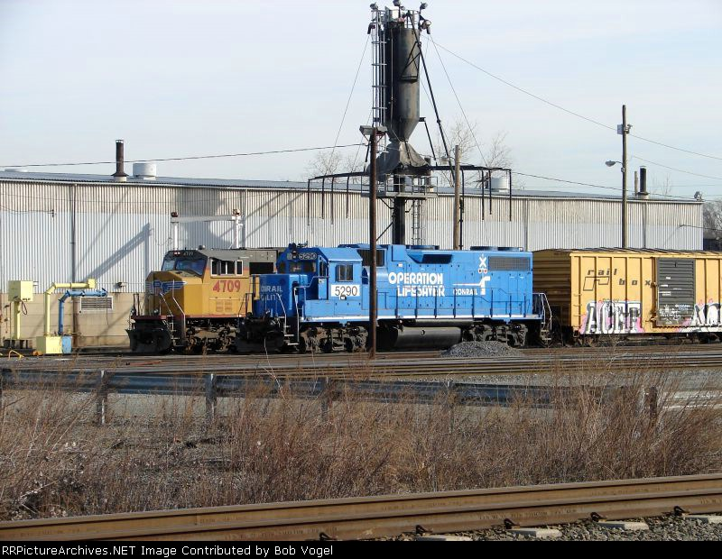 NS 5290 and UP 4709