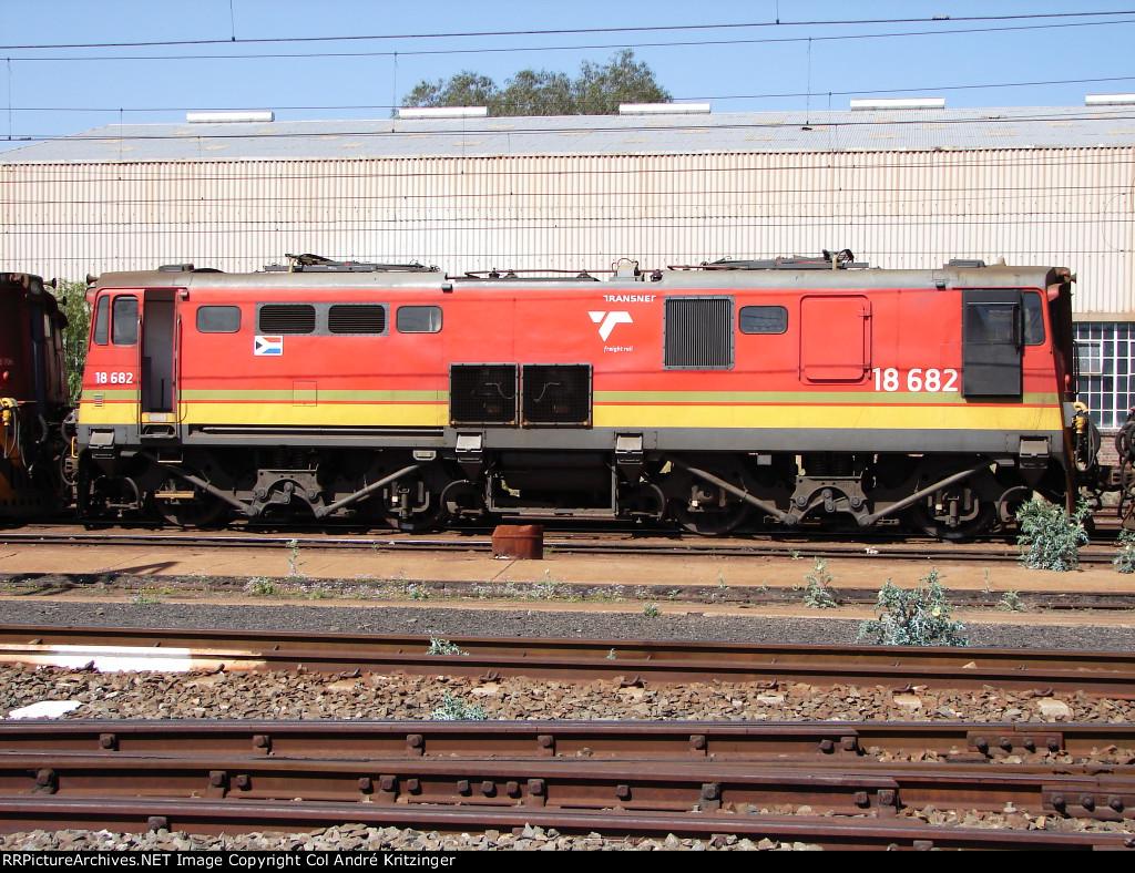 TFR Class 18E 18-682 (Series 2)