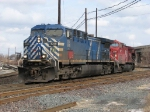 CEFX 1049 leads CP's 241 onto NS to become 25T