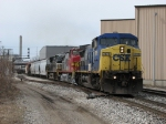 CSX 7876 heads east with R368-17