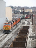 BNSF 4075 leads Q381-15's large BNSF consist past Godfrey Ave