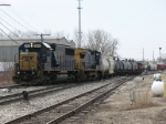 CSX 8663 & 9042 begin to pull east with Q326-26